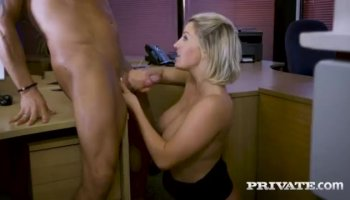 Sexy Sara takes good care of dripping wet Julias pussy